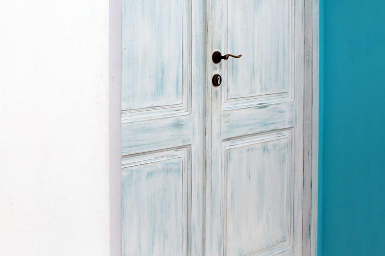 """Série """"Le Passage""""  portes et fenêtres en couleur aux limites de l'abstraction"""
